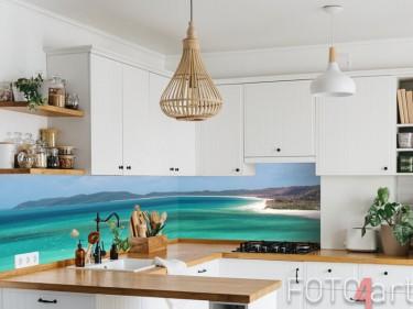 Tropischer Strand auf Küchenrückwand aus Glas