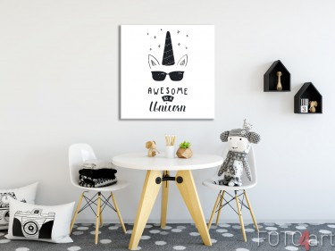 Kinderzimmer mit Unicorn Illustration auf Leinwand