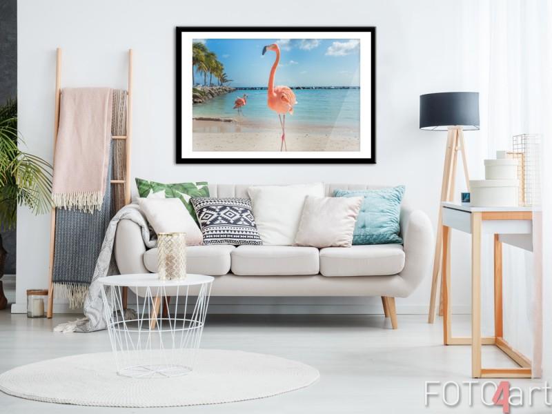 Wohnzimmer mit Poster im Rahmen Flamingo
